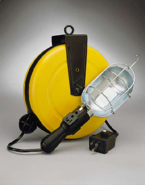 Incandescent Metal Retractable Cord Reel Work Light with Circuit Breaker