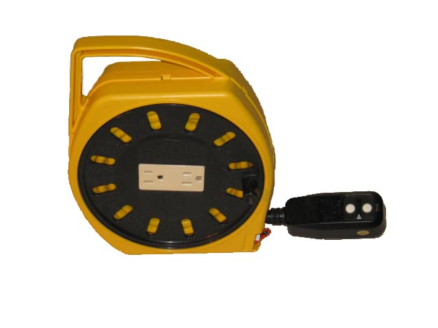 Multi-Outlet Manual Wind-Up Cord Reel w/ GFCI